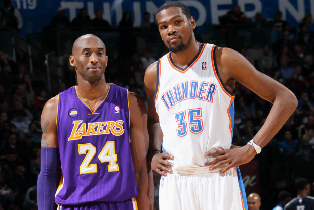 Kevin Durant defiende a Kobe Bryant ante la prensa.