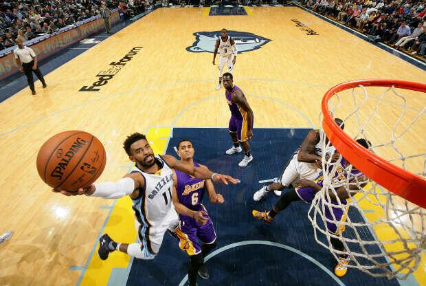 Memphis Grizzlies juega contra Los Angeles Lakers