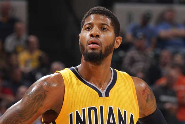 Paul George mira al frente