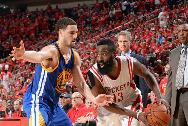 Klay Thompson contra James Harden