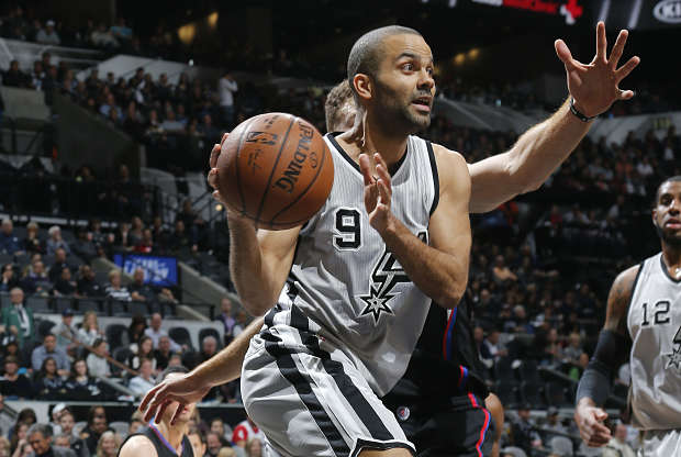 Tony Parker con la camiseta de San Antonio Spurs