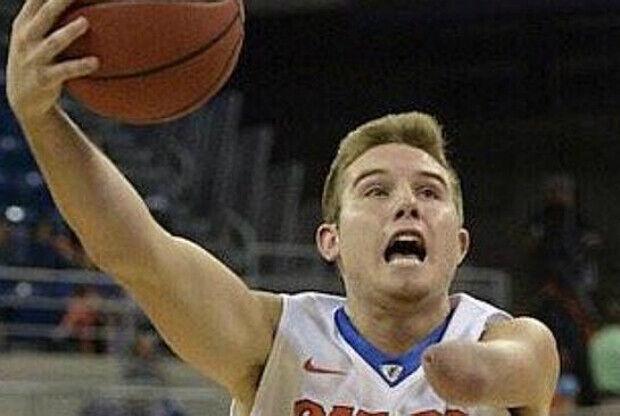 Zach Hodskins, jugador con una sola mano