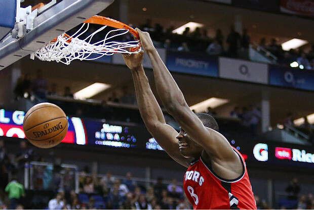 Bismack Biyombo, protagonista del NBA Top 10