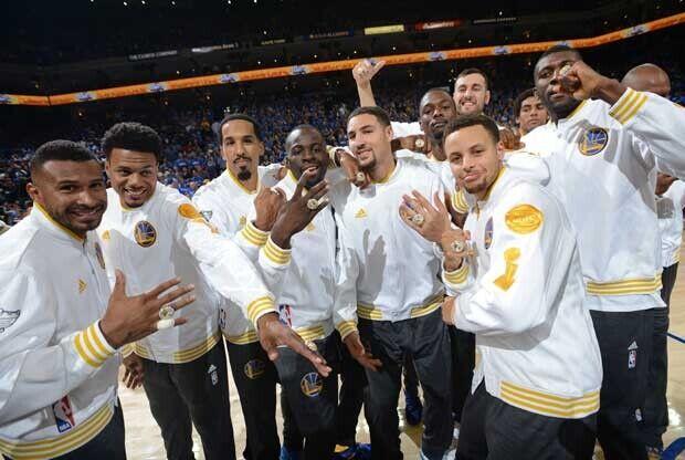 Golden State Warriors celebra su anillo de campeón de la NBA