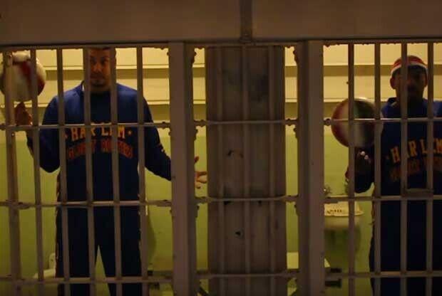 Los Harlem Globetrotters, en la prisión de Alcatraz