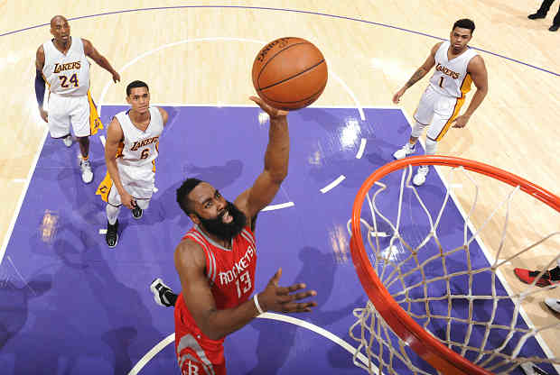 James Harden contra Los Angeles Lakers