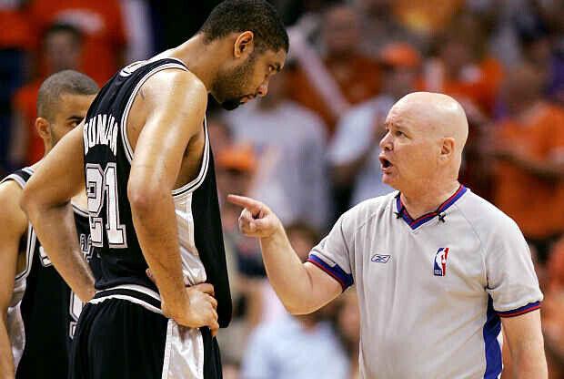 Joe Crawford árbitro de la NBA Tim Duncan