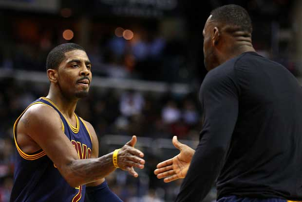 LeBron James saluda a Kyrie Irving