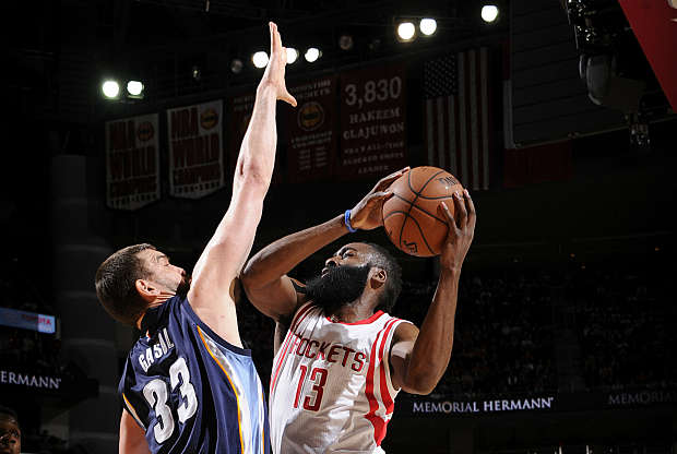 Marc Gasol y James Harden duelo
