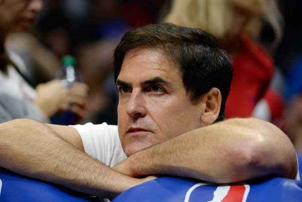 Mark Cuban, en la grada en un partido de Dallas