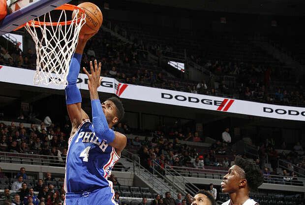 Nerlens Noel protagoniza una de las jugadas del NBA Top 10