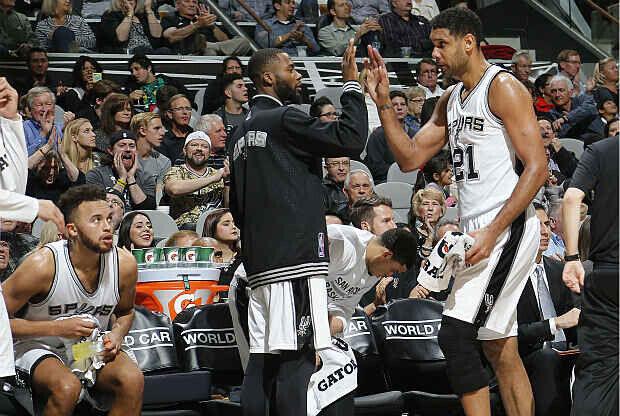 San Antonio Spurs duelo ante Brooklyn