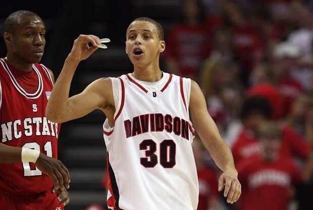 Stephen Curry, en un partido con la Universidad de Davidson