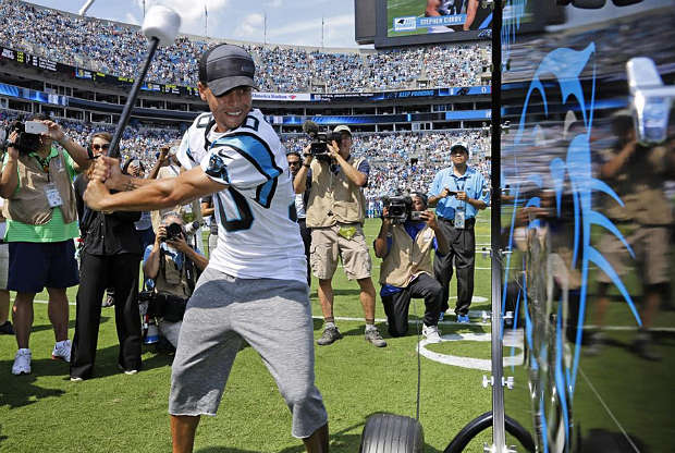 Stephen Curry con la camiseta de Carolina Panthers
