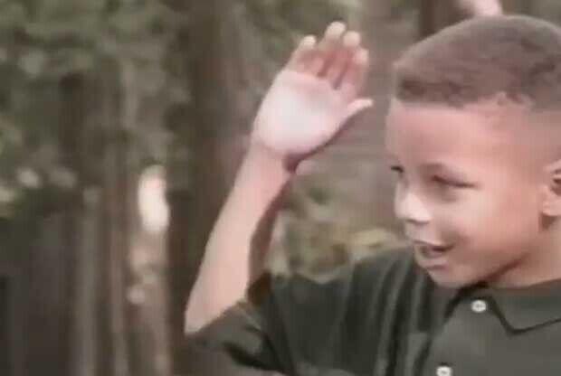 Stephen Curry, en un anuncio de Burger King de pequeño