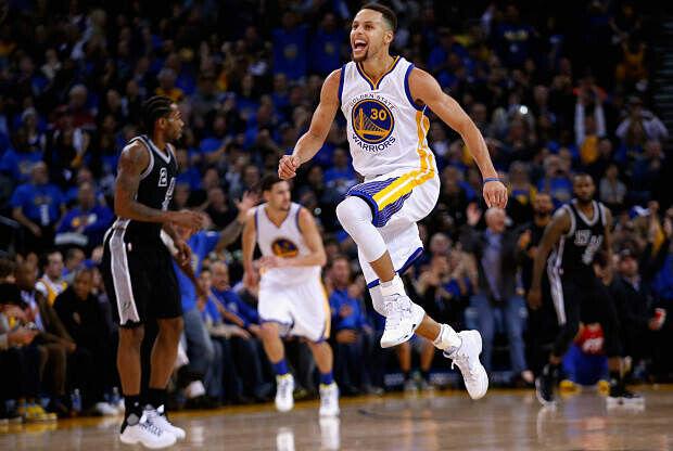 Stephen Curry contra San Antonio Spurs