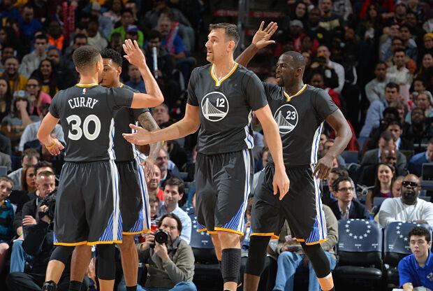 Golden State Warriors derrotó a Philadelphia 76ers