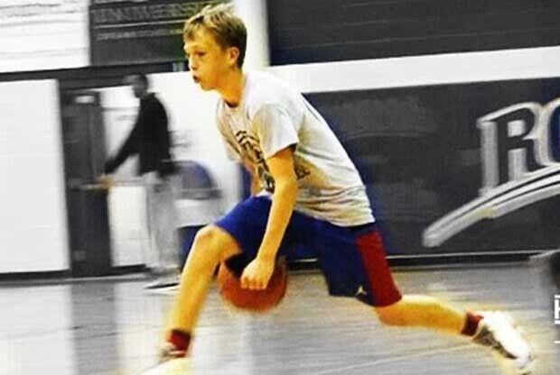 El hijo de Jason Williams, durante un entrenamiento