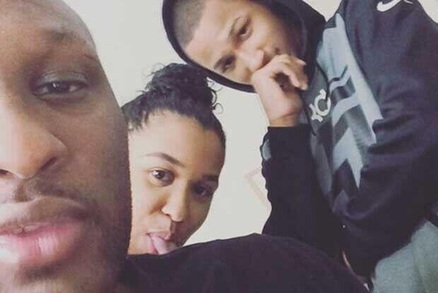Lamar Odom, junto a dos de sus hijos