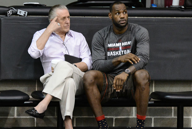 Pat Riley y LeBron James en Miami Heat