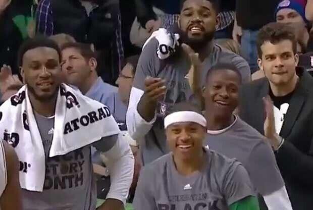 El banquillo de Boston Celtics se ríe de Lance Stephenson