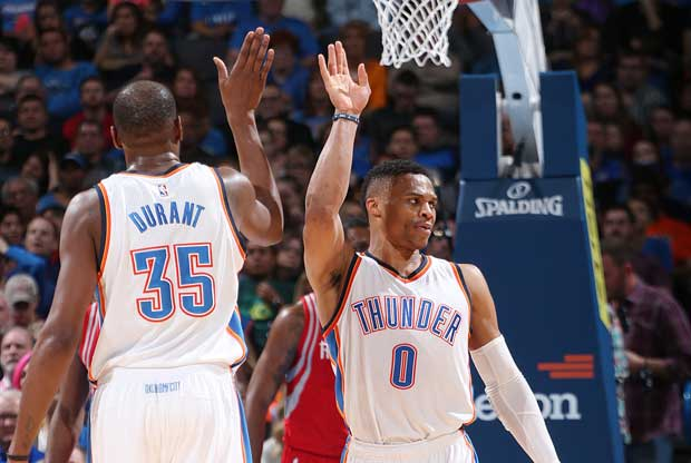 Kevin Durant choca con Russell Westbrook