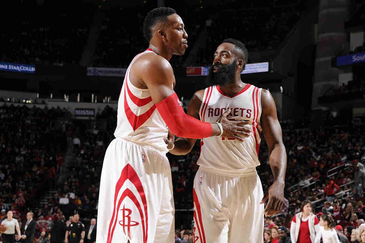 James Harden y Dwight Howard de Houston Rockets