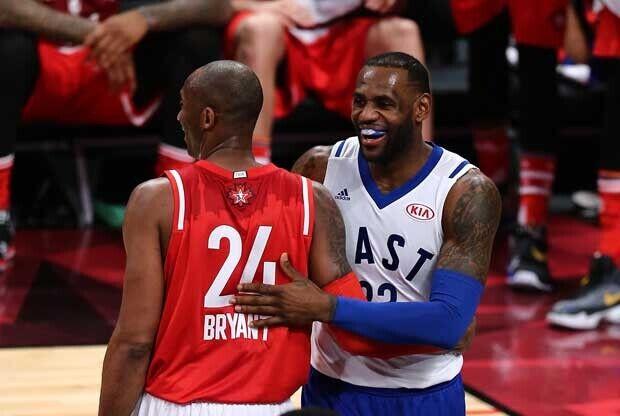 LeBron James y Kobe Bryant, durante el All-Star Game