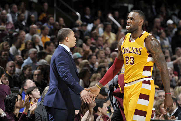 LeBron James y Tyronn Lue