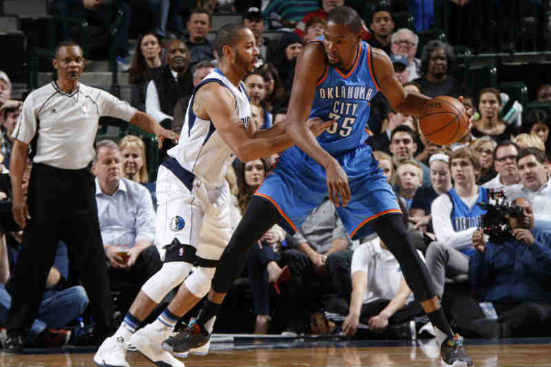 Oklahoma City Thunder contra Dallas Mavericks