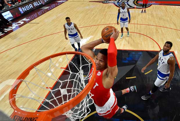 Russell Westbrook hace un mate en el All-Star Game