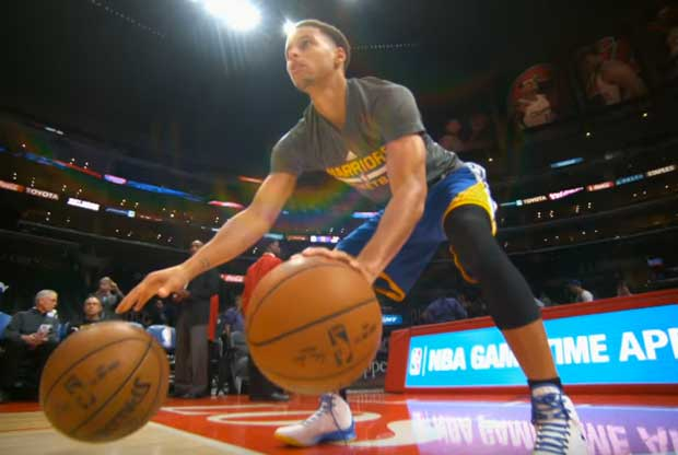 Stephen Curry, durante su calentamiento