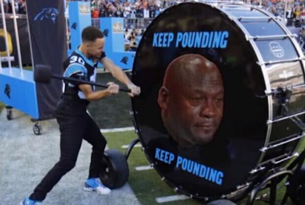 Stephen Curry protagoniza un meme de lo más original