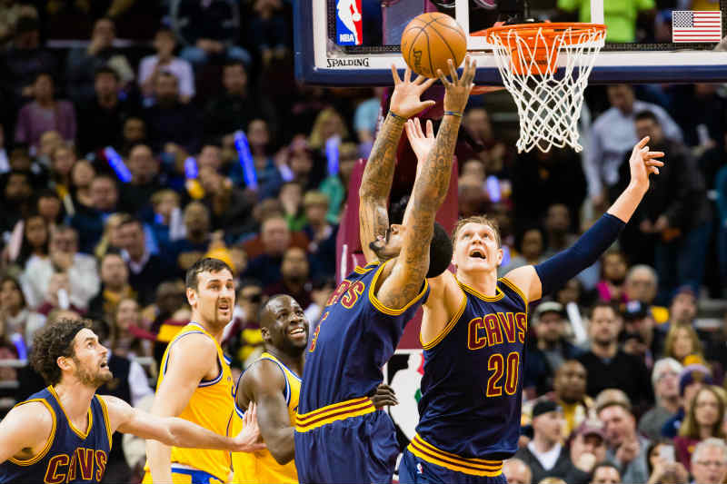 Cleveland Cavaliers frente a Golden State Warriors