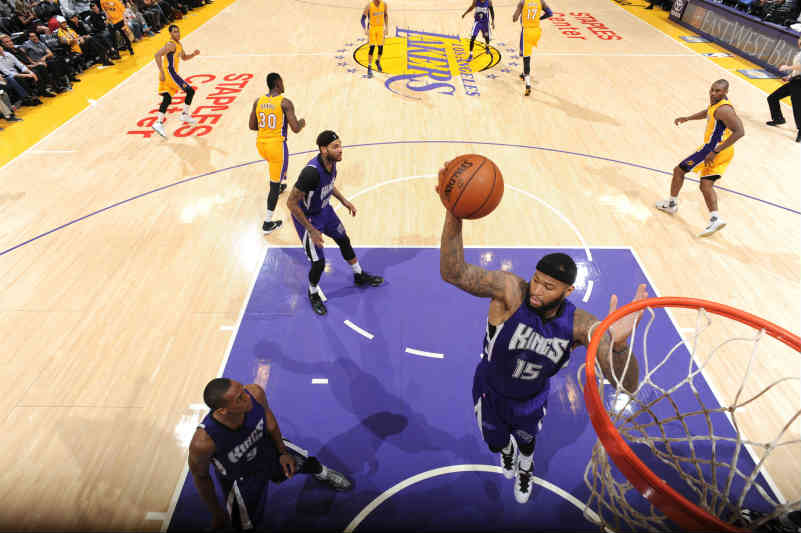 Sacramento Kings contra Los Angeles Lakers