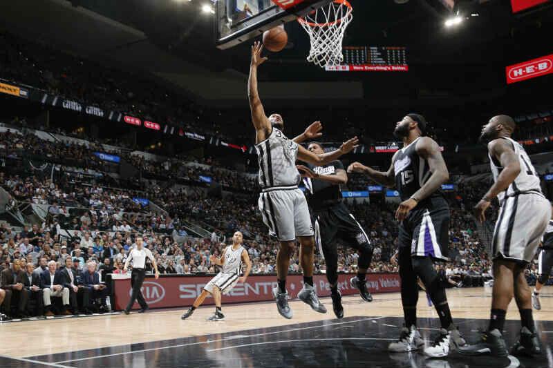 San Antonio Spurs contra Sacramento Kings