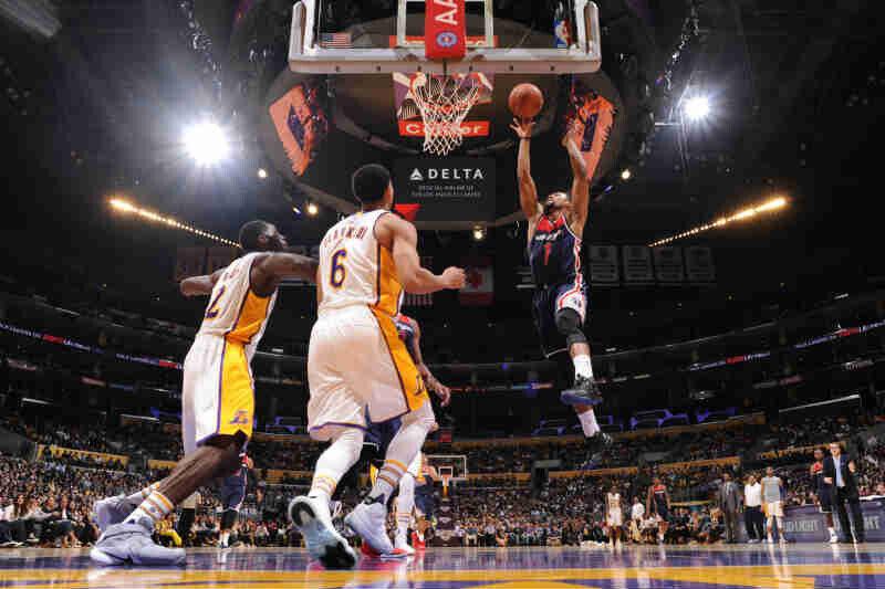 Washington Wizards contra Los Angeles Lakers