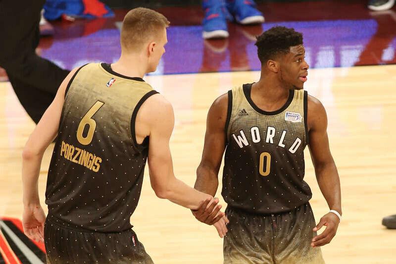 Los rookies de la NBA se saludan