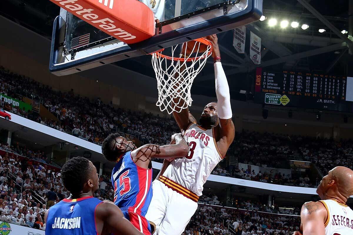 Mate de potencia de LeBron James ante Detroit