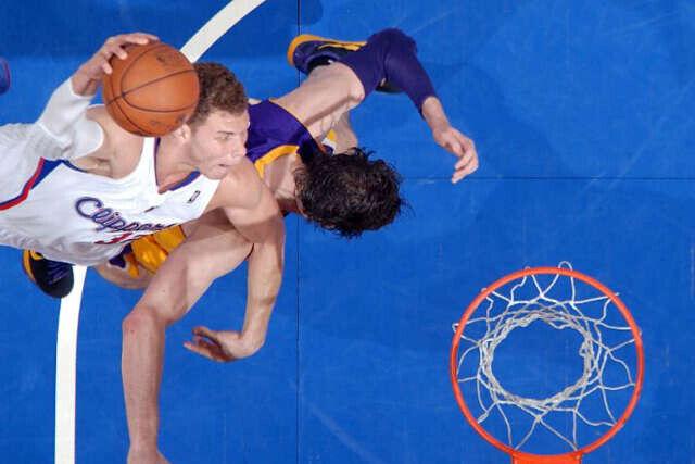 Blake Griffin se cuelga del aro