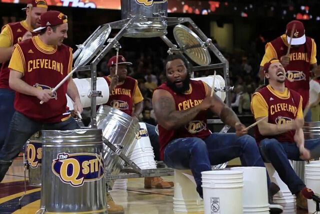 Cleveland Cavaliers Sticks en plena función