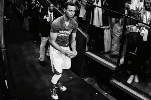 Stephen Curry en blanco y negro