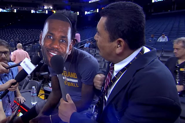 LeBron James y Guillermo en el Show de Jimmy Kimmel