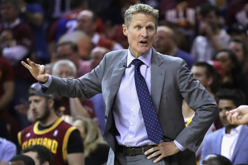 Steve Kerr entrenador de Golden State Warriors