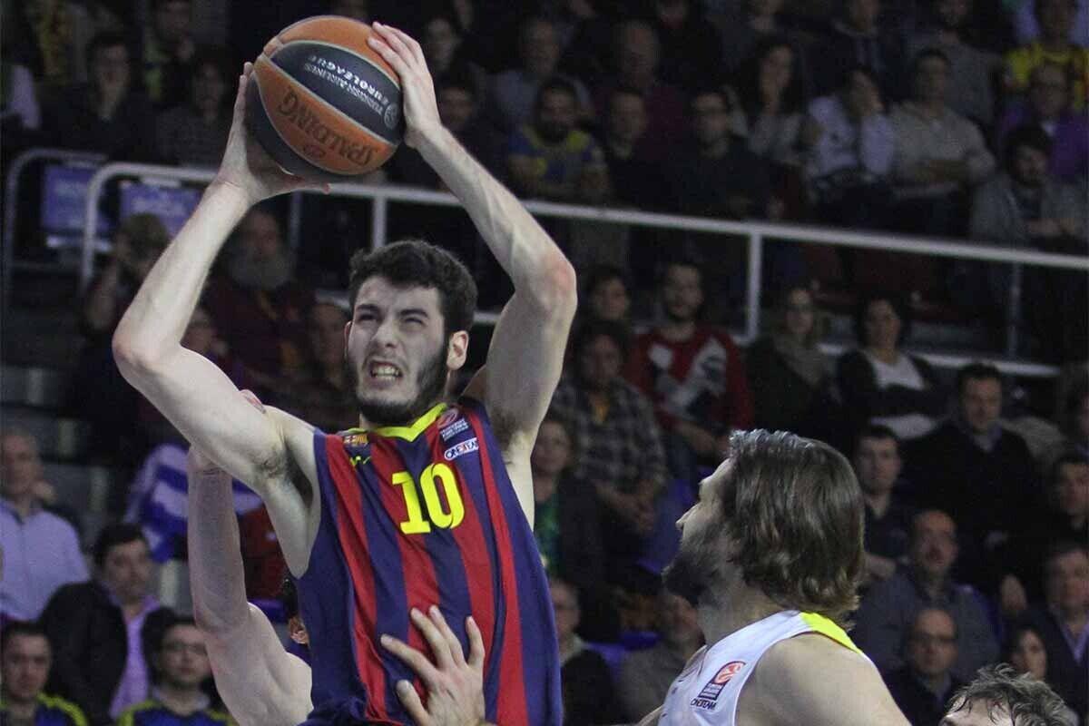 Álex Abrines, durante un partido con el Barcelona