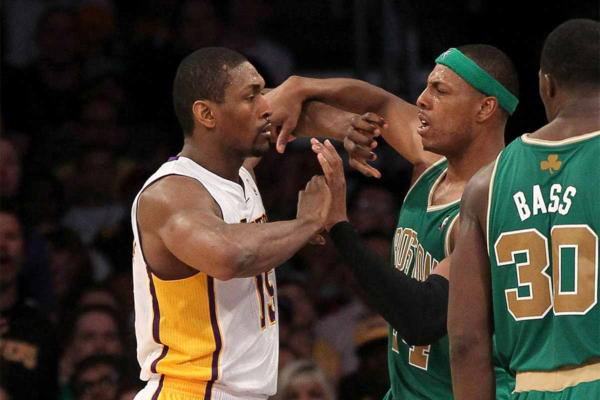 Ron Artest se encara con Paul Pierce