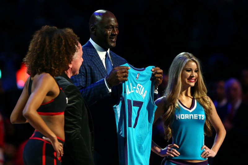 Michael Jordan lucha para no perder su All-Star 2017