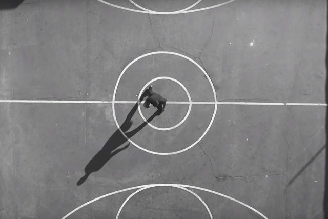 Spalding crea un corto al baloncesto