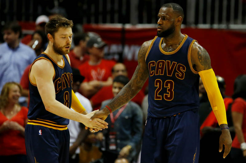 Matthew Dellavedova, LeBron James