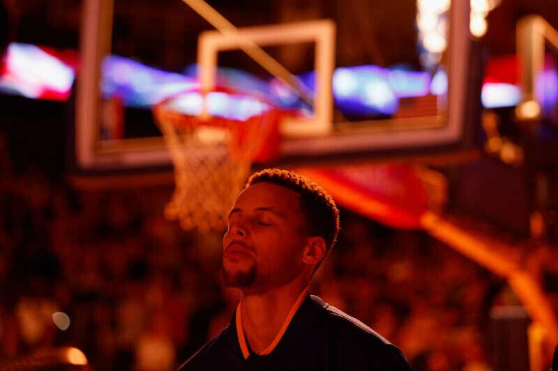 Thompson enciende remontada de Warriors ante Wolves